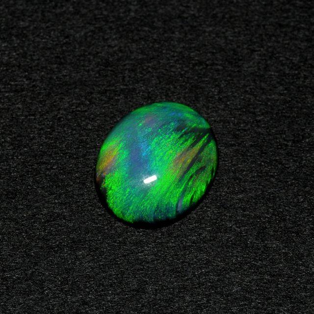 em2971 ブラックオパールオーバルカット3.55ct(中央宝石研究所鑑別書付)